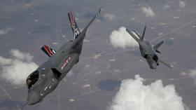 FILE PHOTO: The F-35 Lightning II © Reuters / Tom Reynolds